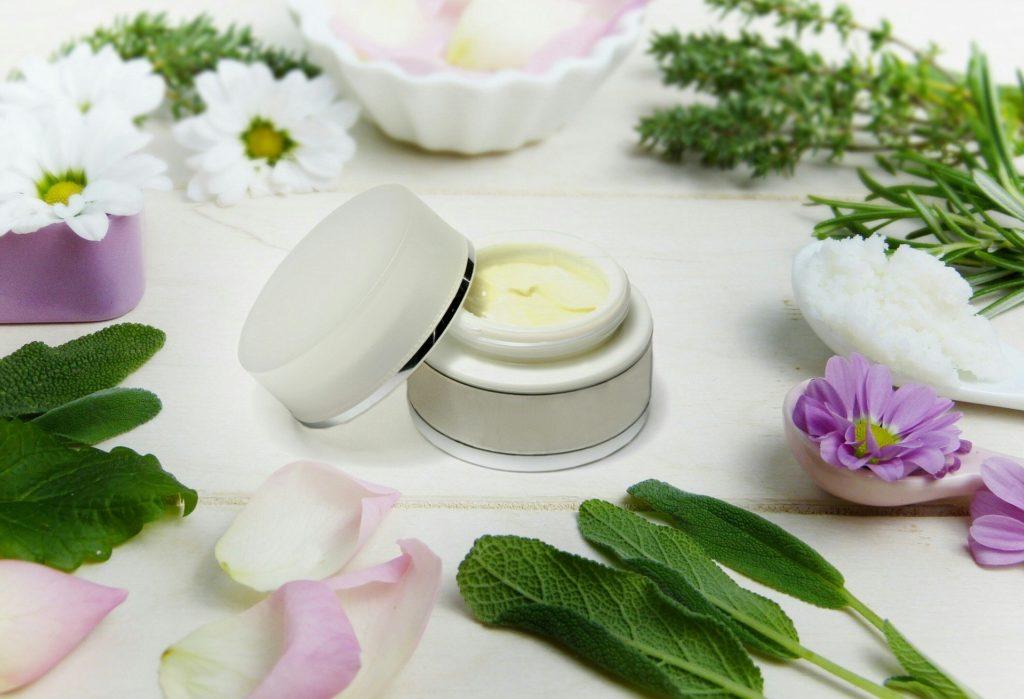 crème, soin, fleurs, cosmétique écologique