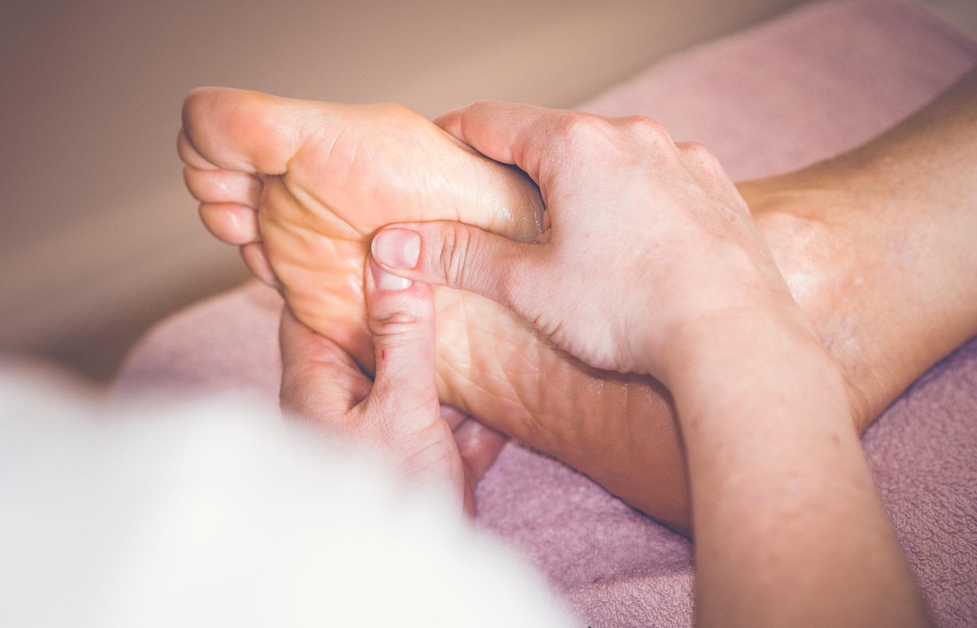 Reflexologie de bien-être, massage, pied, détente