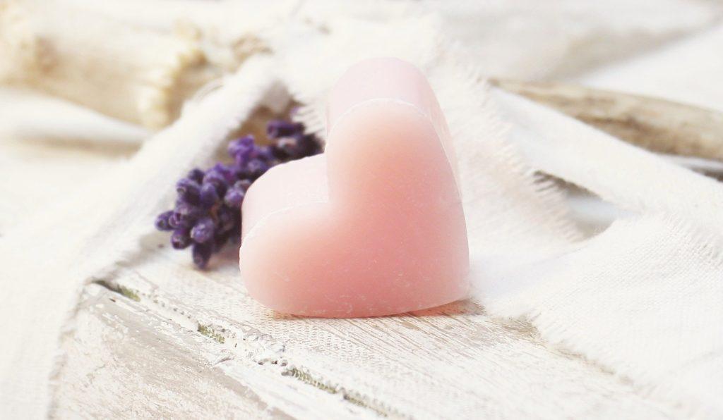 Savon, coeur, cosmétique écologique, artisanat